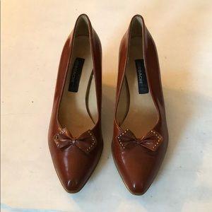 Vintage • Brown leather jordache heels